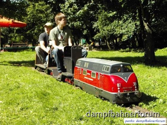 Sonne, Dampf und strahlende Kinderaugen in Leverkusen