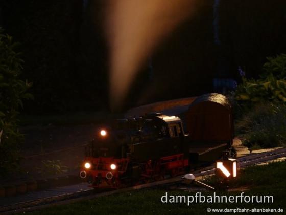 Dampfbahn Altenbeken bei Nacht